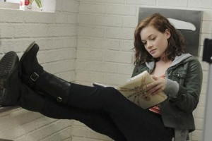 Jane Levy in Suburgatory